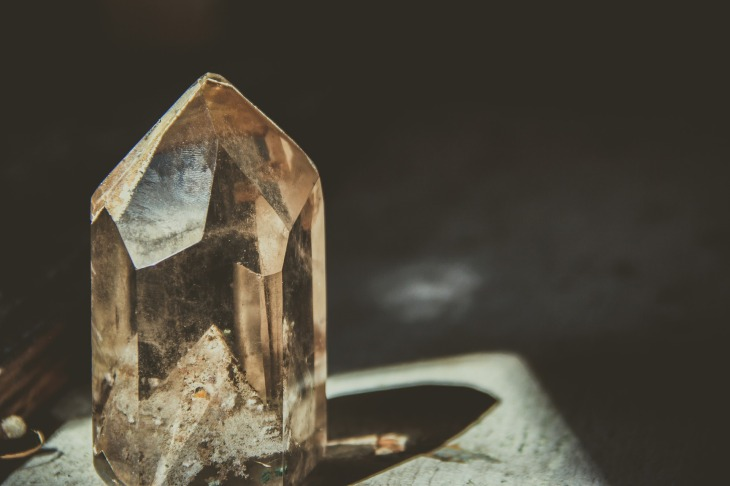 crystal-2723145_1920